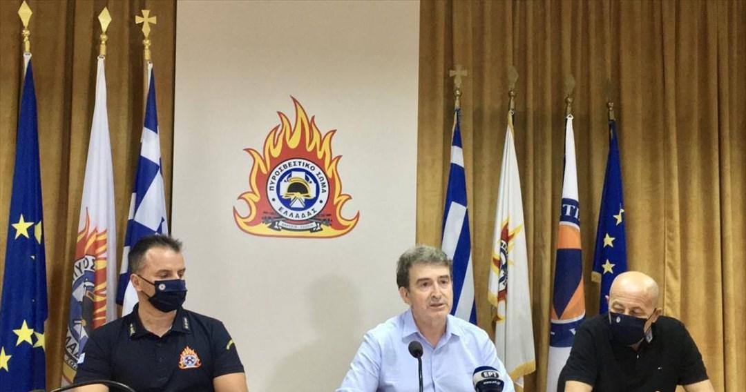 Χρυσοχοΐδης-Βίλια: Οριοθετήθηκε το μεγαλύτερο μέρος της πυρκαγιάς